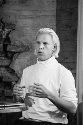 "alk: Marius Presterud / Oslo Apiary & Aviary ""Drift as method within the arts and academia"". Photo: Zane Cerpina."