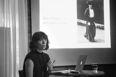 "Talk: Johanna Steindorf ""The Strange Half-absence of Wandering at Night"". Photo: Zane Cerpina."